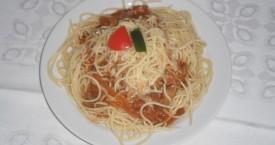 Boloňské špagety se sýrem