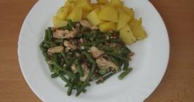 Drůbeží frikasé se zelenými fazolkami, brambor