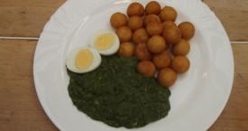 Dušený špenát s vejcem, bramborové krokety