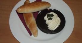Sýrová pomazánka, pečivo
