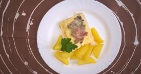 Zapečené rybí file se žampiony a sýrem, brambory